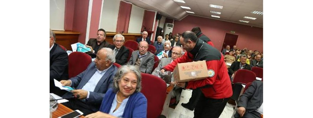 Belediye Meclis Üyelerine Solucan Gübresi Dağıtıldı | Rivasol